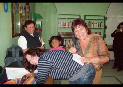Firmando autógrafos en Mixquiahuala